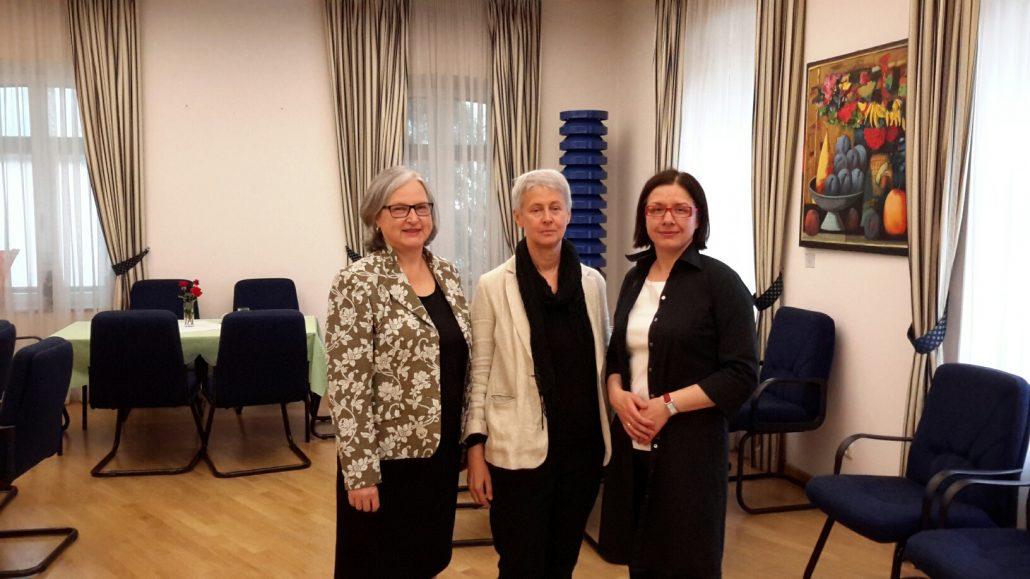 Botschafterin Hermine Poppeller, stv. Leiterin des Außenwirtschaftscenter Kiew Susanne Macht und Ewa Martyna-David