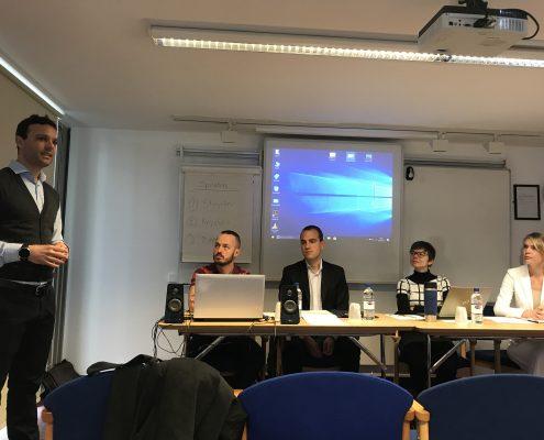 Bei der BASEES 2017 stellt Johannes Leitner das Podium mit Stoycho P. Stoychev, Hannes Meissner, Oleana Kryshko und Victoria Zipperer vor