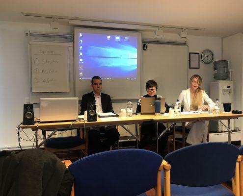 Auf dem Podium der BASEES2017 sitzen Hannes Meissner, Oleana Kryshko und Victoria Zipperer