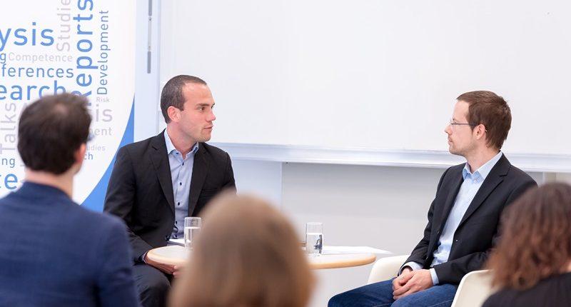 Hannes Meissner und Johannes Wetzinger diskutieren zu Georgien im Rahmen des Business Talks Black Sea Region