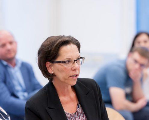 Charlotte Thell von der OeKB beantwortet beim Business Talk Black Sea Region: Georgien als Reformland? ebenfalls eine Publikumsfrage